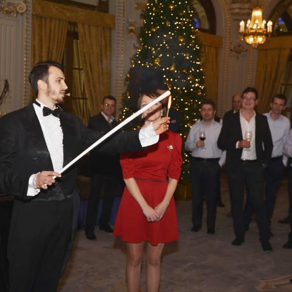 Magicianul Verdini în acțiune